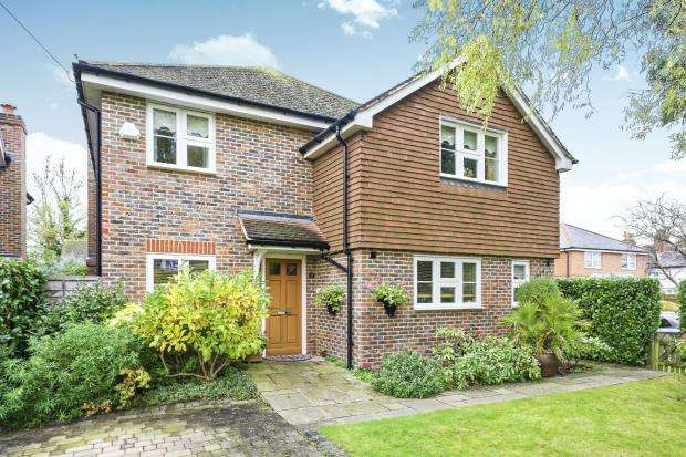 4 Bedrooms Detached House for sale in Bookham, Leatherhead, Surrey