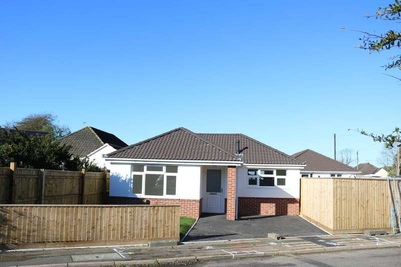 2 Bedrooms Detached Bungalow for sale in BH10 Markham Close, Bournemouth