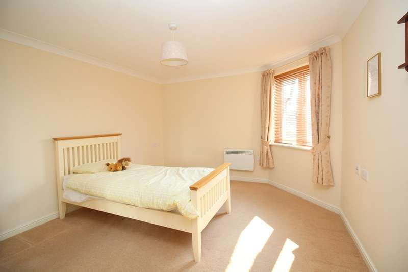1 Bedroom Property for sale in Manton Court, Horsham