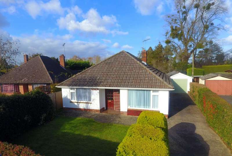 3 Bedrooms Detached Bungalow for sale in Meadow Road, Ringwood, BH24 1RT