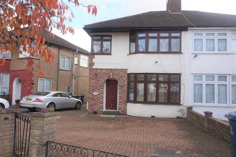 3 Bedrooms Semi Detached House for sale in Bellamy Drive, Stanmore