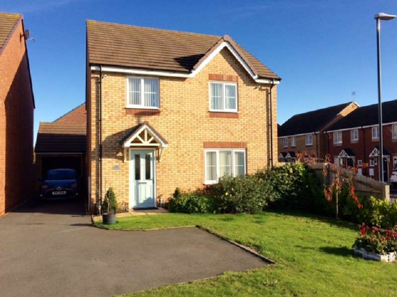 Detached House for sale in Bermuda Road, Nuneaton, Warwickshire. CV10 7HU