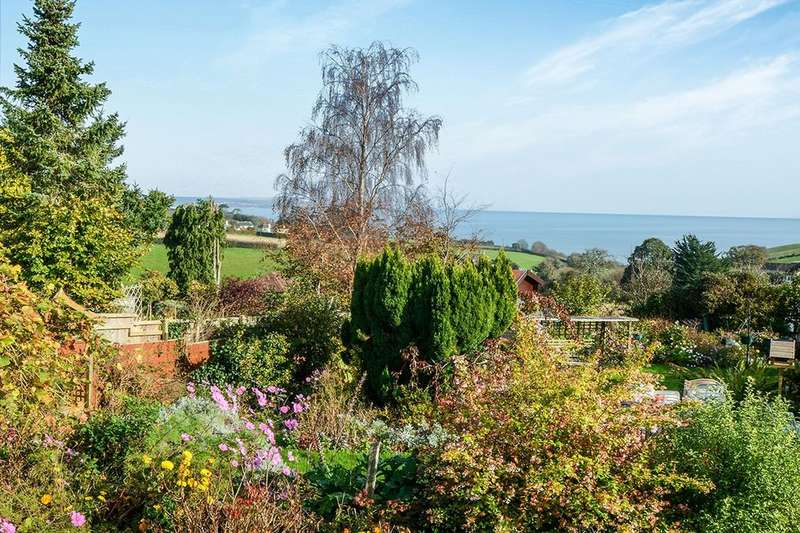 3 Bedrooms Detached Bungalow for sale in Ash Park Gardens, Holcombe, Dawlish, EX7