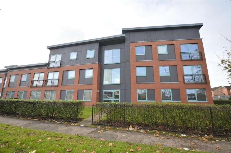 2 Bedrooms Flat for sale in Greenlands Road, Chelmsley Wood, Birmingham