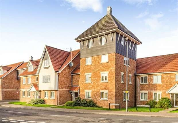 3 Bedrooms Flat for sale in Old Market Road, Stalham, Norwich, Norfolk