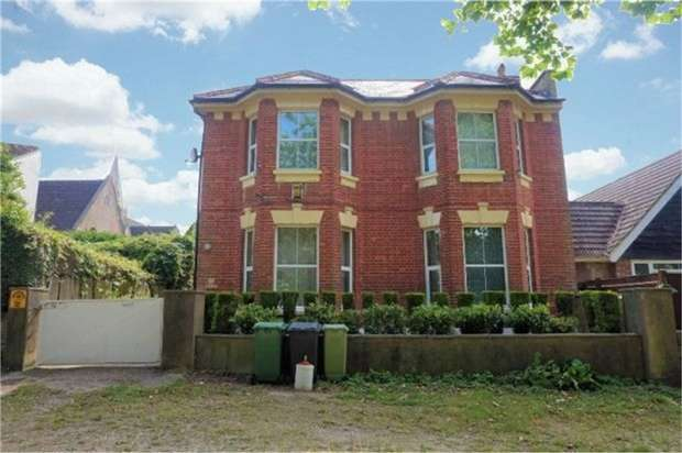 5 Bedrooms Detached House for sale in Clarence Road, St Leonards-on-Sea, East Sussex