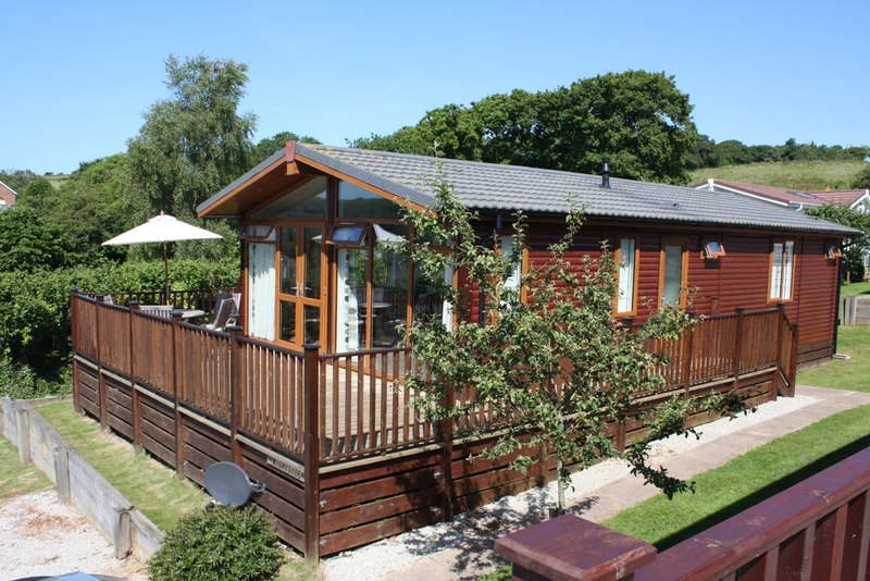 3 Bedrooms Detached Bungalow for sale in Briar Hill, NEWTON FERRERS, South Devon