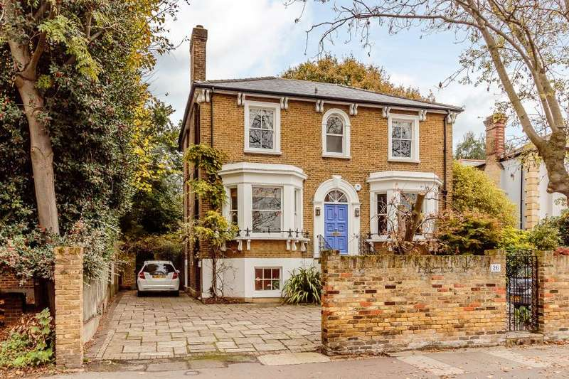 4 Bedrooms Detached House for sale in Queens Road, Kingston upon Thames KT2