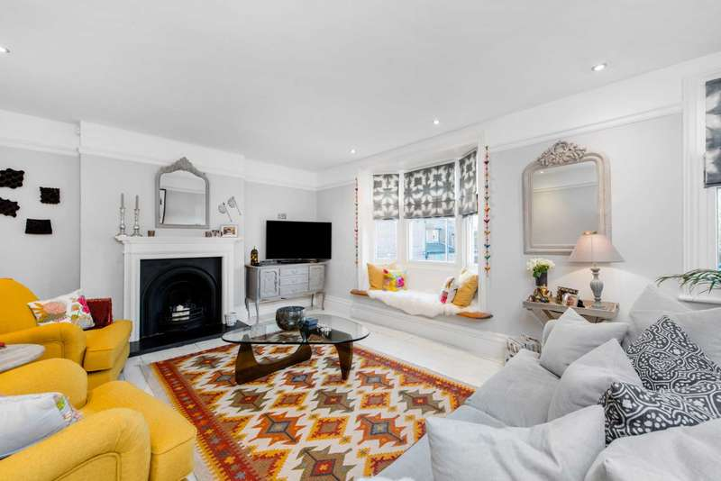 3 Bedrooms Apartment Flat for sale in High Street, Tring