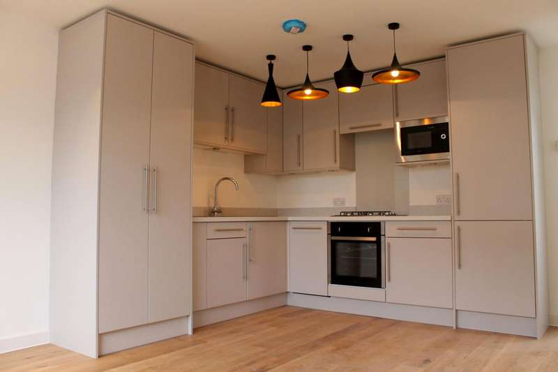 1 Bedroom Flat for rent in 1 bedroom Duplex Flat in West Byfleet