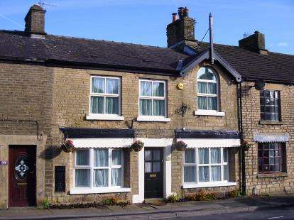 4 Bedrooms Terraced House for sale in Buxton Road, Furness Vale, High Peak