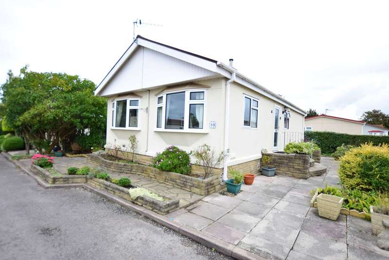 2 Bedrooms Park Home Mobile Home for sale in Bentley Drive, Carr Bridge Residential Park
