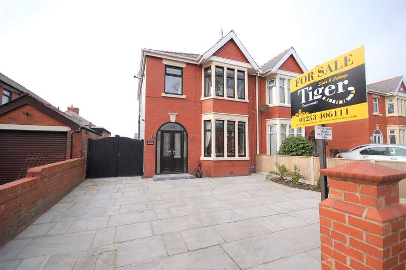3 Bedrooms Semi Detached House for sale in Harrington Avenue, Blackpool