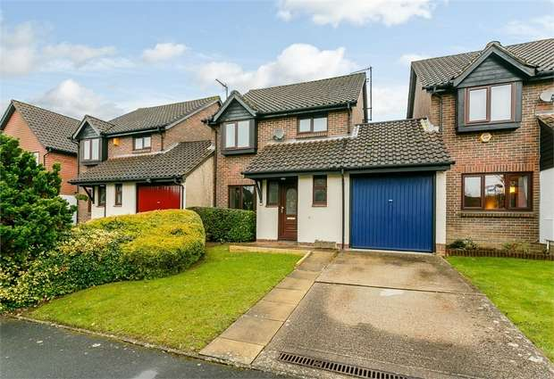 3 Bedrooms Link Detached House for sale in Edinburgh Way, East Grinstead, West Sussex