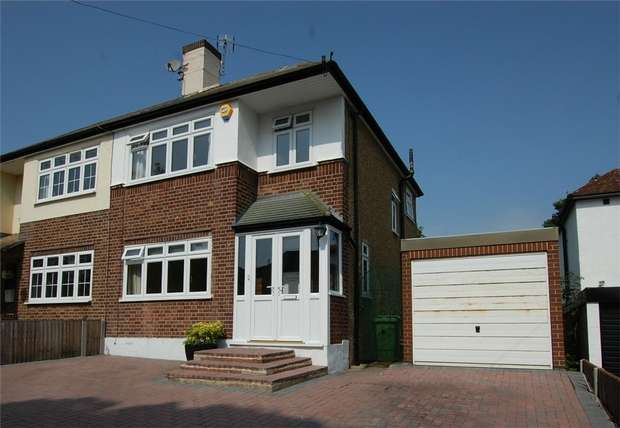 3 Bedrooms Semi Detached House for sale in Mounthurst Road, BROMLEY, Kent