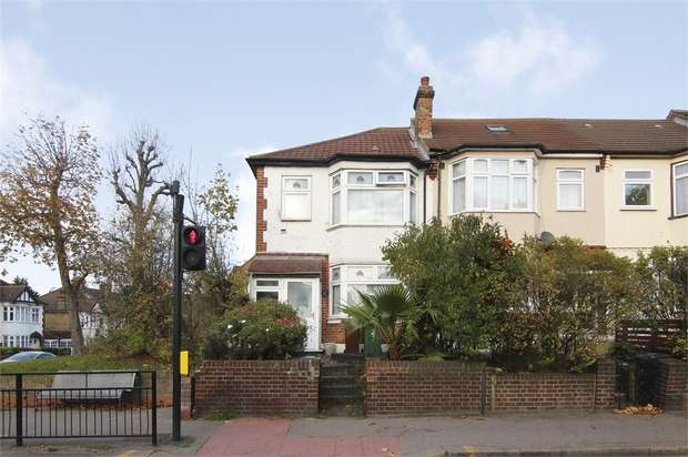 3 Bedrooms End Of Terrace House for sale in Forest Road, Walthamstow, London