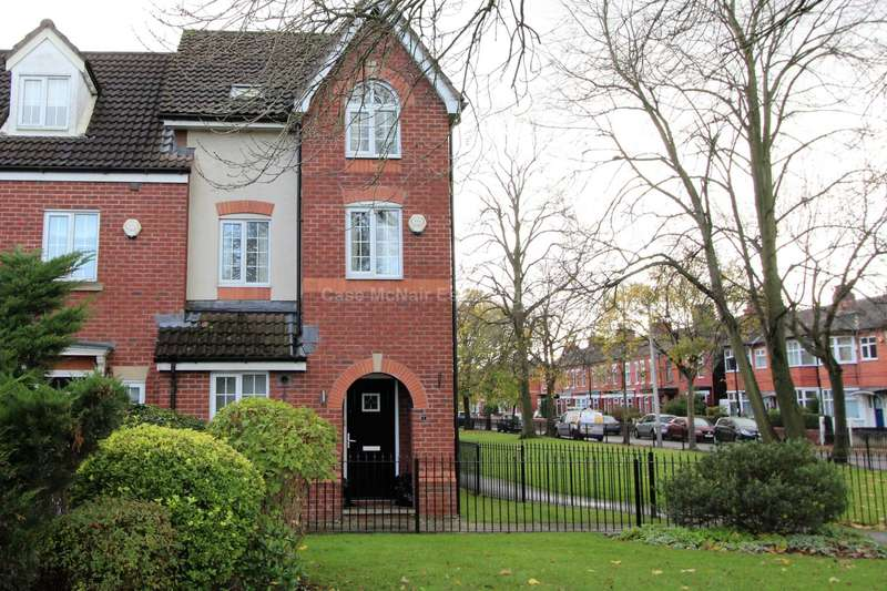 3 Bedrooms Semi Detached House for sale in Marland Way, Stretford