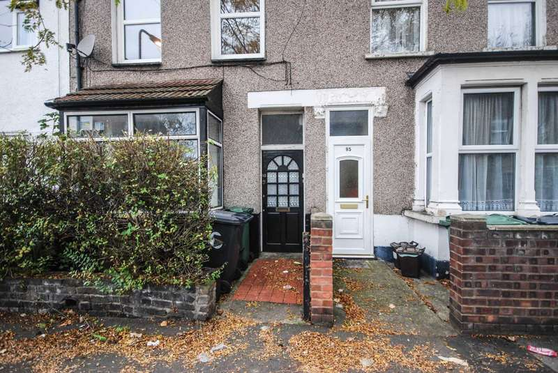 2 Bedrooms Flat for sale in Norman Road, Leytonstone