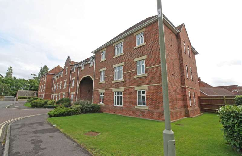3 Bedrooms Apartment Flat for sale in Walter Bigg Way, Wallingford