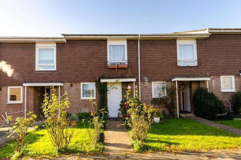 3 Bedrooms House for rent in Handside Close, Worcester Park, KT4