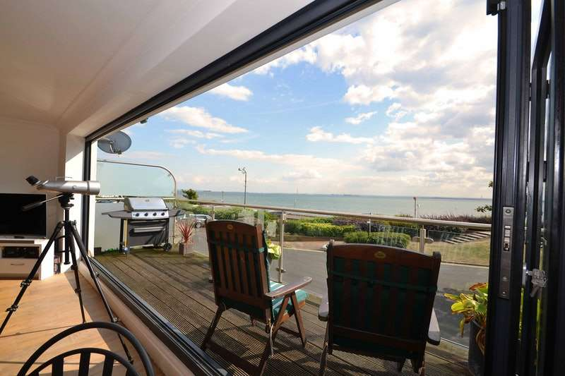 4 Bedrooms Terraced House for sale in Chalkwell Esplanade, Westcliff-on-Sea, Essex, SS0