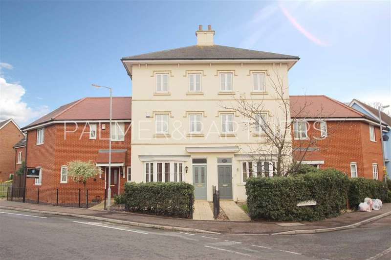3 Bedrooms Town House for sale in Gavin Way, Myland, Colchester