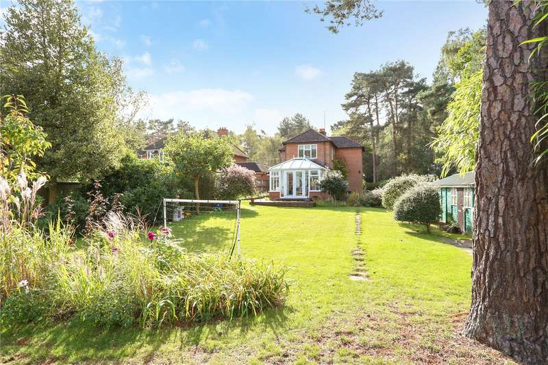 3 Bedrooms Detached House for sale in Bracken Lane, Blackmoor, Hampshire, GU35