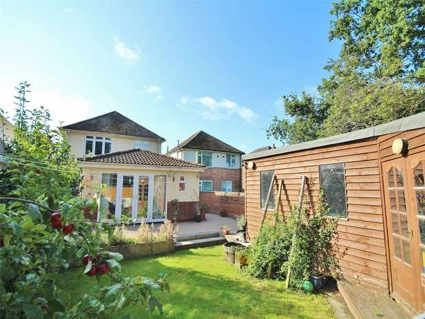 3 Bedrooms Detached House for sale in Brampton Road, Oakdale, POOLE, Dorset