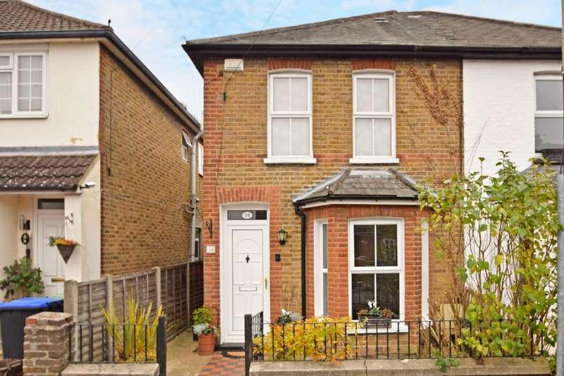 3 Bedrooms Semi Detached House for sale in Milner Road, Burnham, SL1