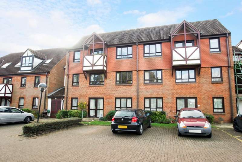 1 Bedroom Flat for sale in Kingslodge, King George V Road, Amersham, HP6