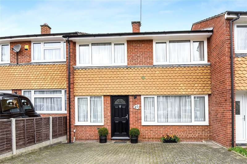 3 Bedrooms Terraced House for sale in Savay Close, Denham, Buckinghamshire, UB9