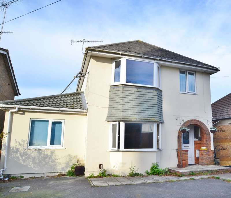 5 Bedrooms Detached House for sale in Sterte