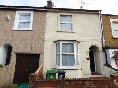 2 Bedrooms Terraced House for sale in Queens Road, Watford, Hertfordshire