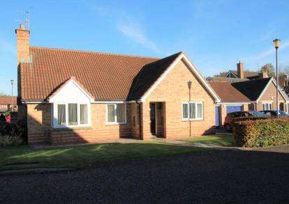 3 Bedrooms Bungalow for sale in Ashdale, Houghton Le Spring, Tyne and Wear, DH4