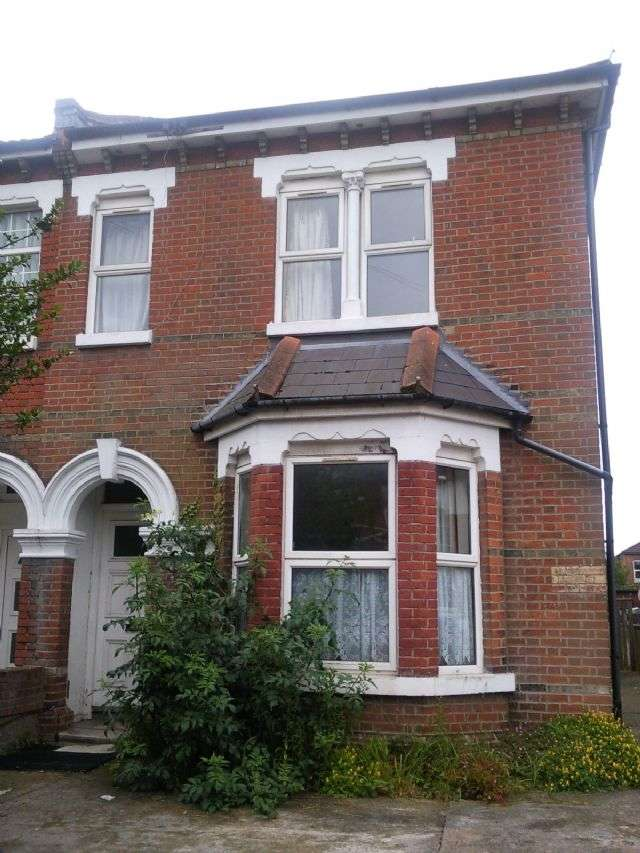 7 Bedrooms Semi Detached House for rent in 9A Alma Road, Portswood, Southampton