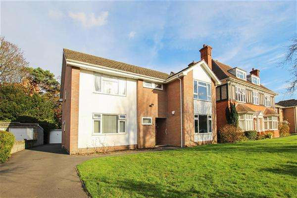 3 Bedrooms Flat for sale in Browning Avenue, Bournemouth