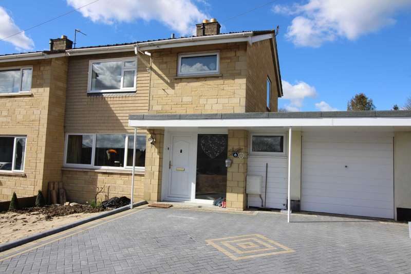 3 Bedrooms Semi Detached House for sale in Mendip Drive, Frome