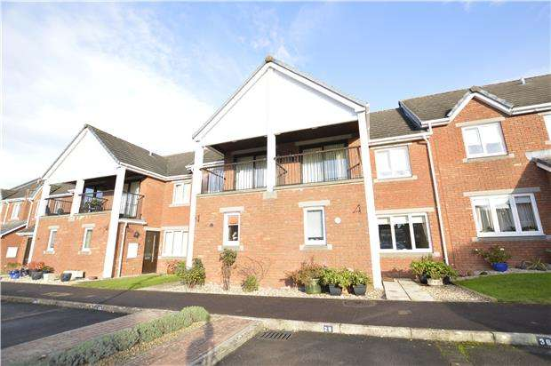 2 Bedrooms Terraced House for sale in Cleeve Lake Court, Bishops Cleeve GL52 8SP