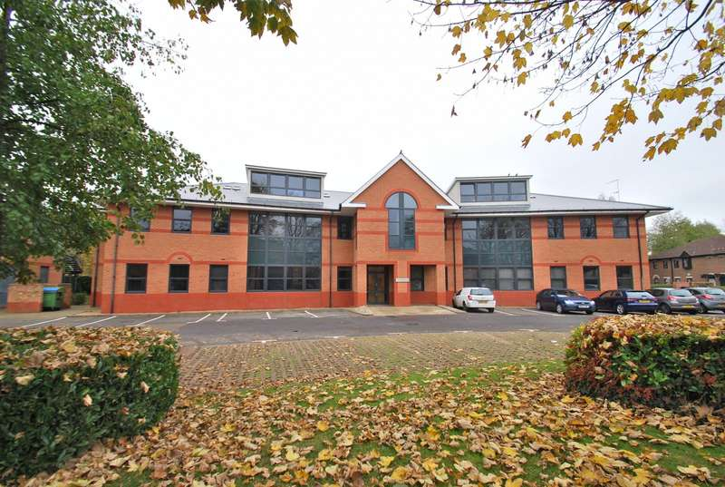 2 Bedrooms Flat for sale in Furlong Road, Bourne End, SL8