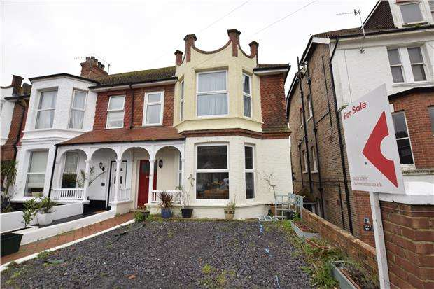 6 Bedrooms End Of Terrace House for sale in Jameson Road, BEXHILL-ON-SEA, East Sussex, TN40 1EJ