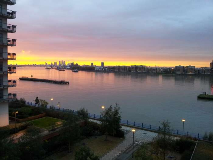 2 Bedrooms Apartment Flat for sale in Erebus Drive, Royal Artillery Quays, London -