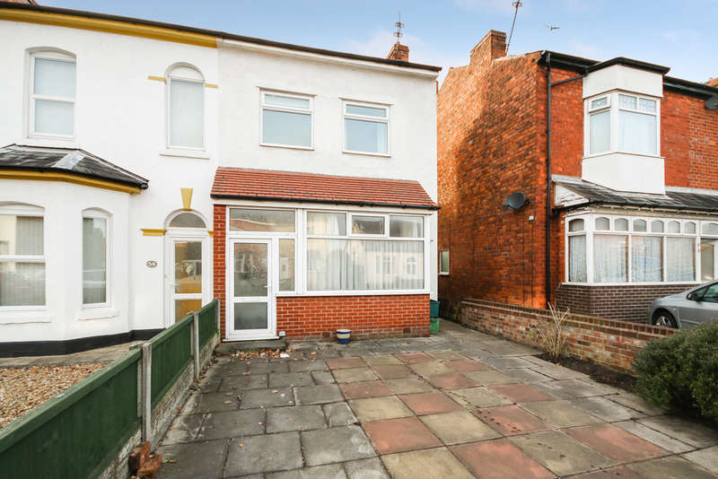 3 Bedrooms Semi Detached House for sale in Claremont Road, Birkdale, Southport
