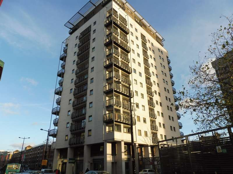 3 Bedrooms Apartment Flat for sale in Queen Street, Cardiff