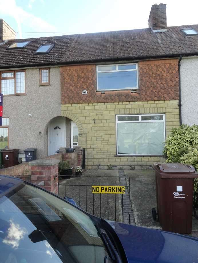 2 Bedrooms Terraced House for rent in Meadow Road, Dagenham