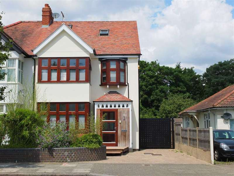 4 Bedrooms Semi Detached House for sale in Whitchurch Gardens, Canons Park