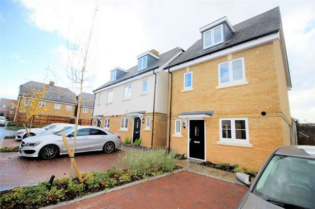 4 Bedrooms Detached House for rent in Knaphill, Woking, Surrey