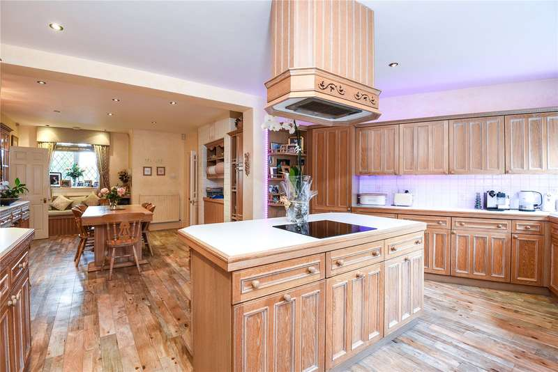 4 Bedrooms Detached House for sale in Holland Walk, Stanmore, Middlesex, HA7