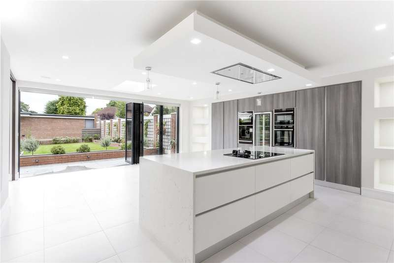 5 Bedrooms Detached House for sale in Stanmore Hill, Stanmore, HA7