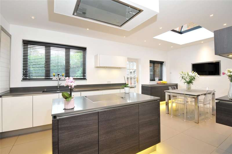 5 Bedrooms Semi Detached House for sale in Little Common, Stanmore, Middlesex, HA7