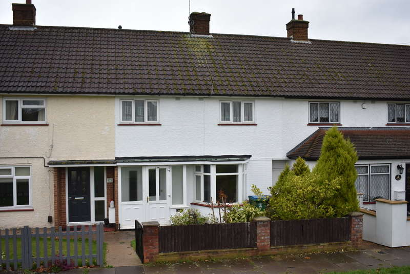 3 Bedrooms Terraced House for rent in Sheepcot Lane, Watford